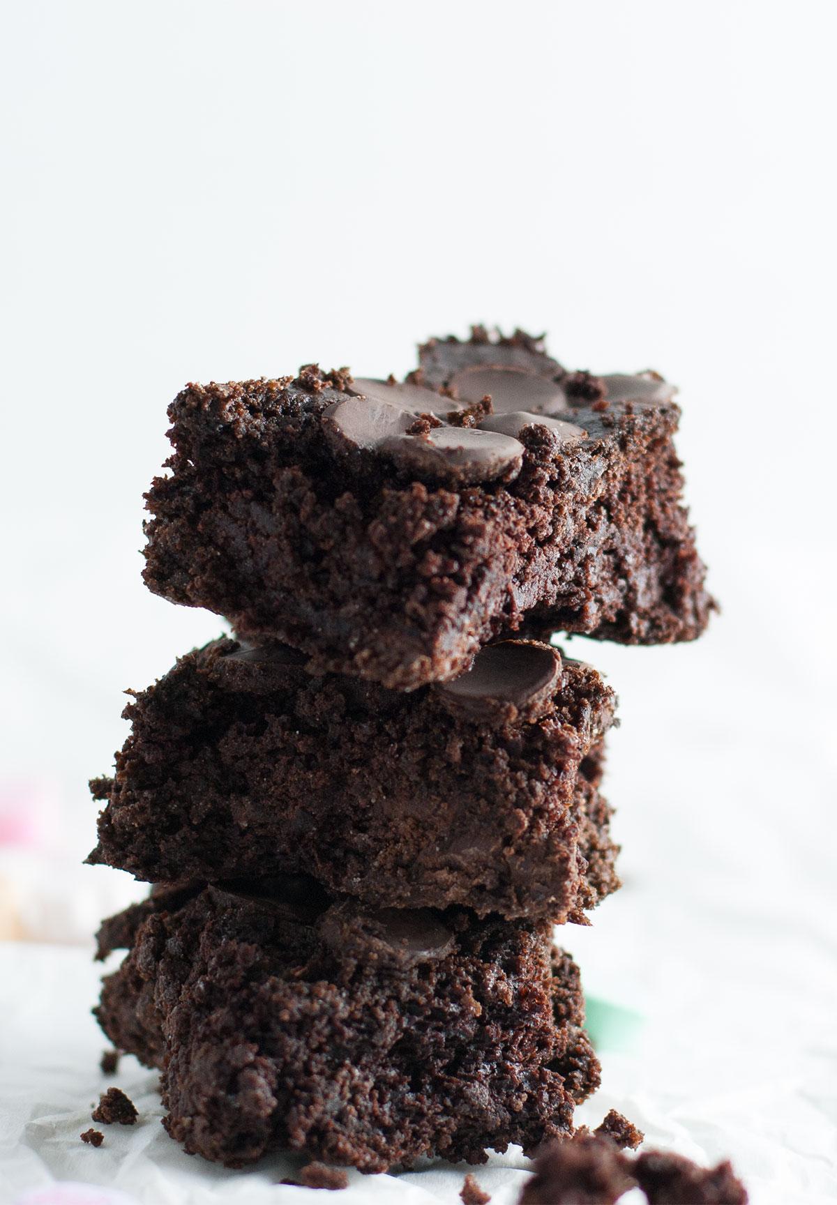 Flour-less-Brownies-03