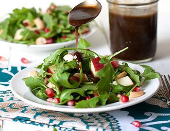 Pomegranate-Cashew-Arugula-Salad-with-Balsamic-Dressing-350