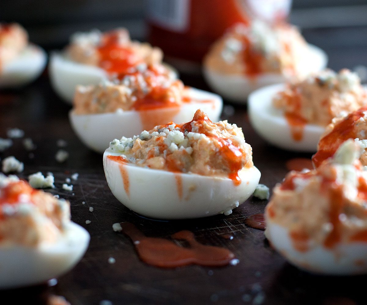 Buffalo-Deviled-Eggs-03