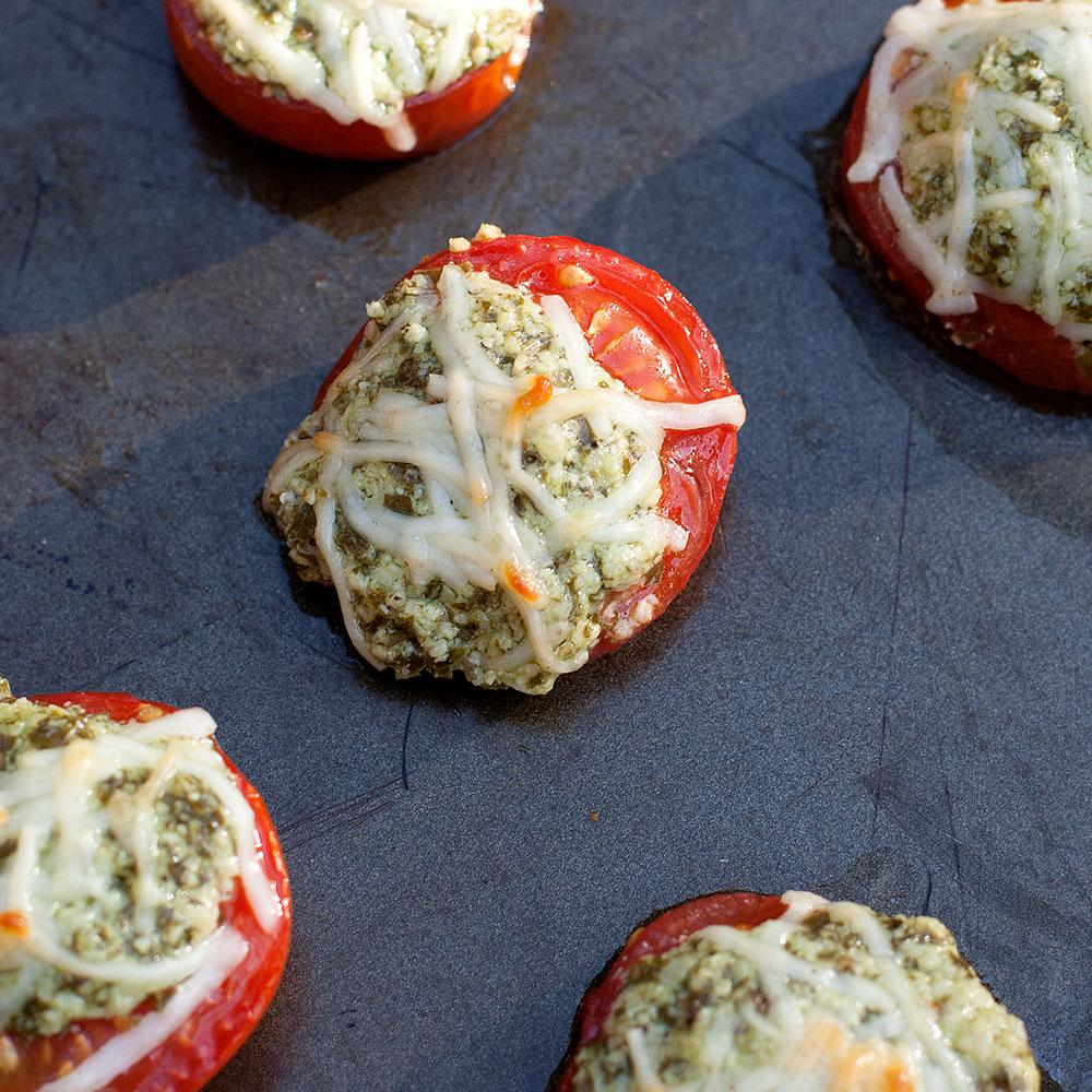 Parmesan-Pesto-Roasted-Tomatoes-03